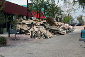 more-debris-from-katrina-1560372-639x426